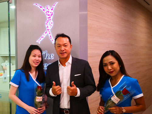 Dr Beng, CEO of SMG also surprised the team with roses!